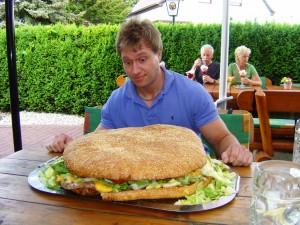 http://eatfeats.com/wp-content/uploads/2009/05/furiouspetegermany-300x225.jpg